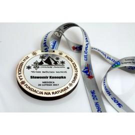 Medal z drewna i laminatu