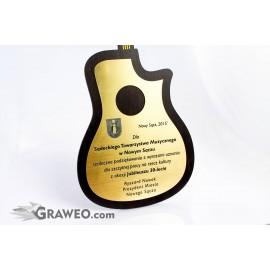 Podziękowanie muzyczne w kształcie gitary klasycznej